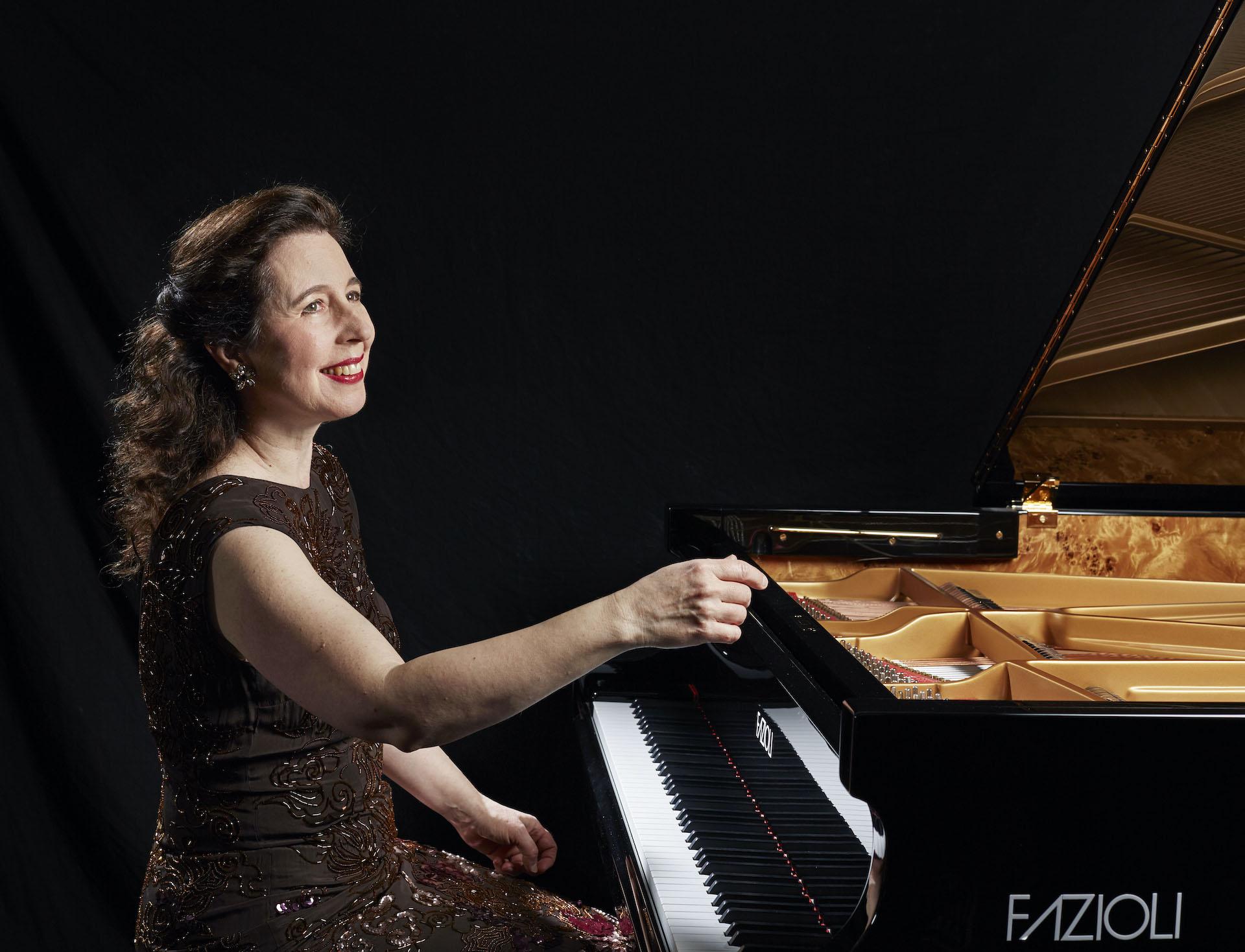 Angela Hewitt London 2016