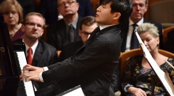 Yekwon-Sunwoo-KBS-SO-Yoel-Levi-©-Pražské-jaro-Zdeněk-Chrapek-2
